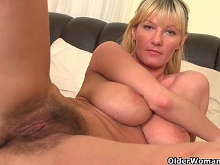 Big tits and pussy vids