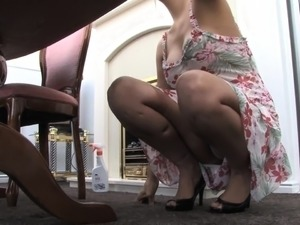 Milf upskirt video