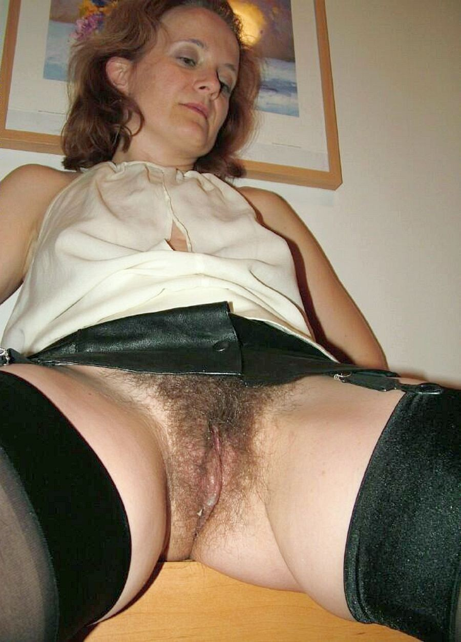 Upskirt old mature