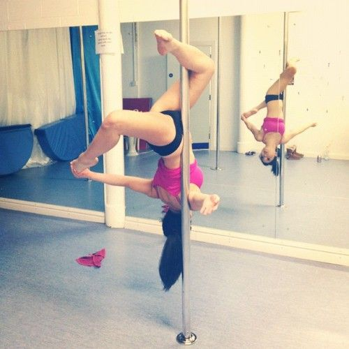 Stripper pole exercise