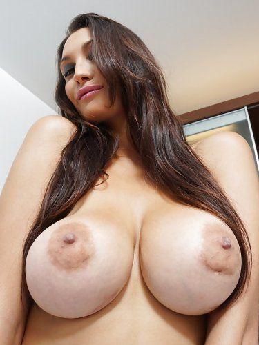 Pretty Boob Nude Latina