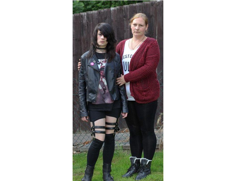 Pictures girls fetish teen