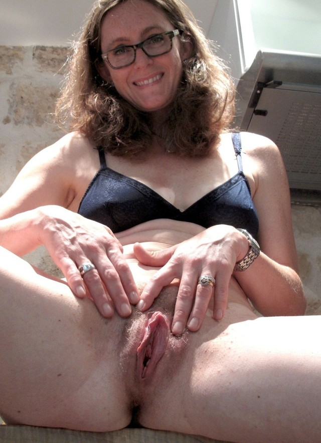 Mature clit photos