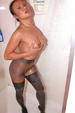 Sluts in pantyhose pics