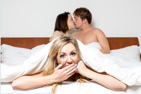 Free threesome dating sites