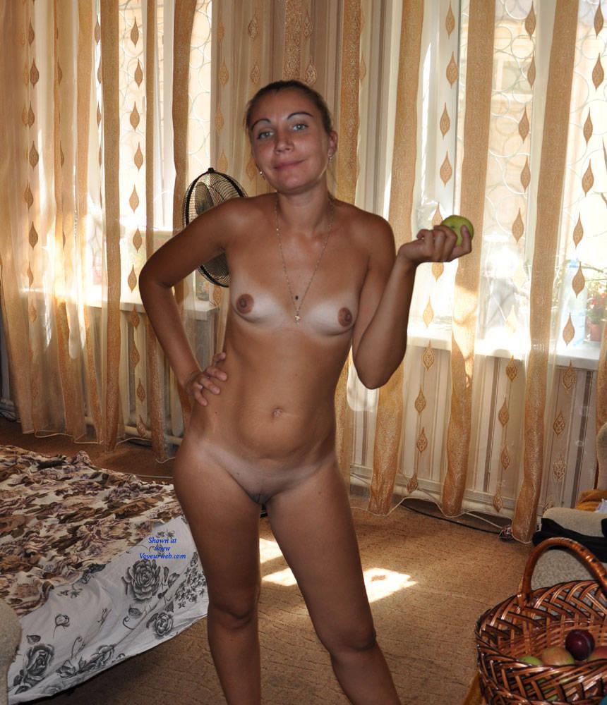 Paloma reccomend At home nude pics