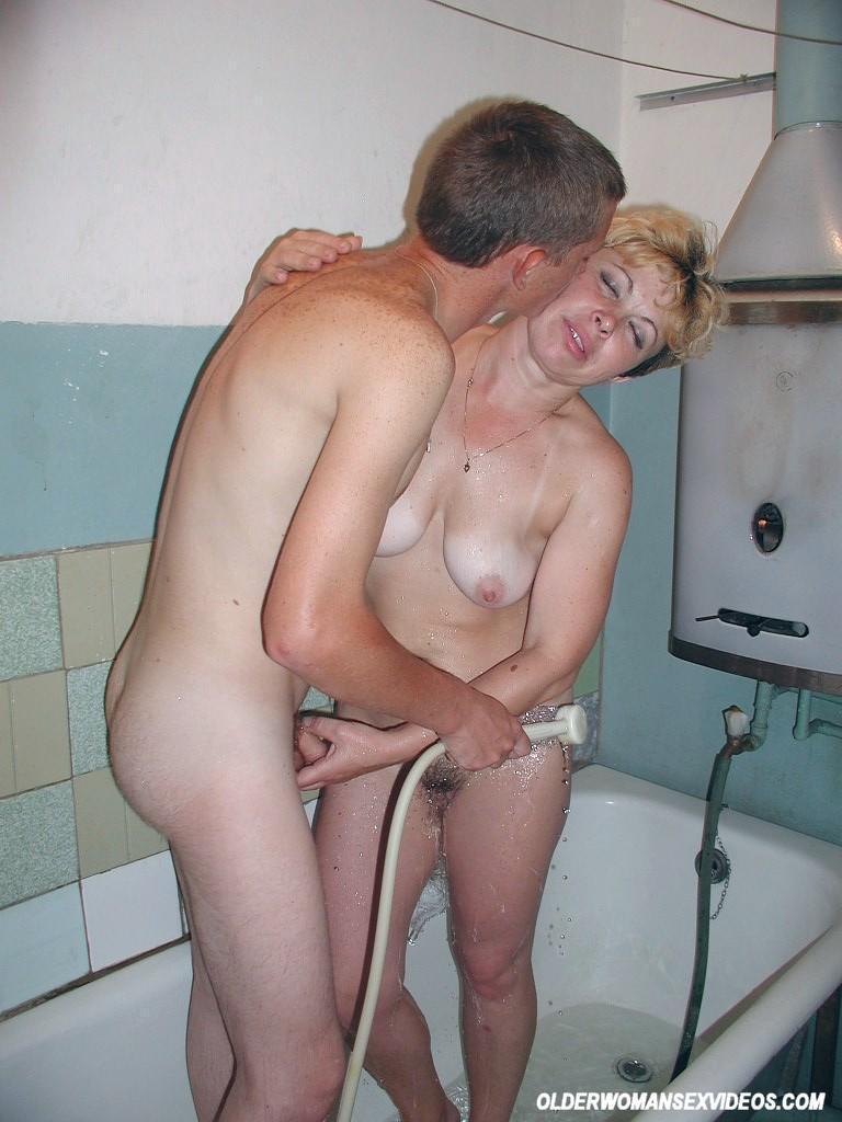 Mom in shower fucks boy
