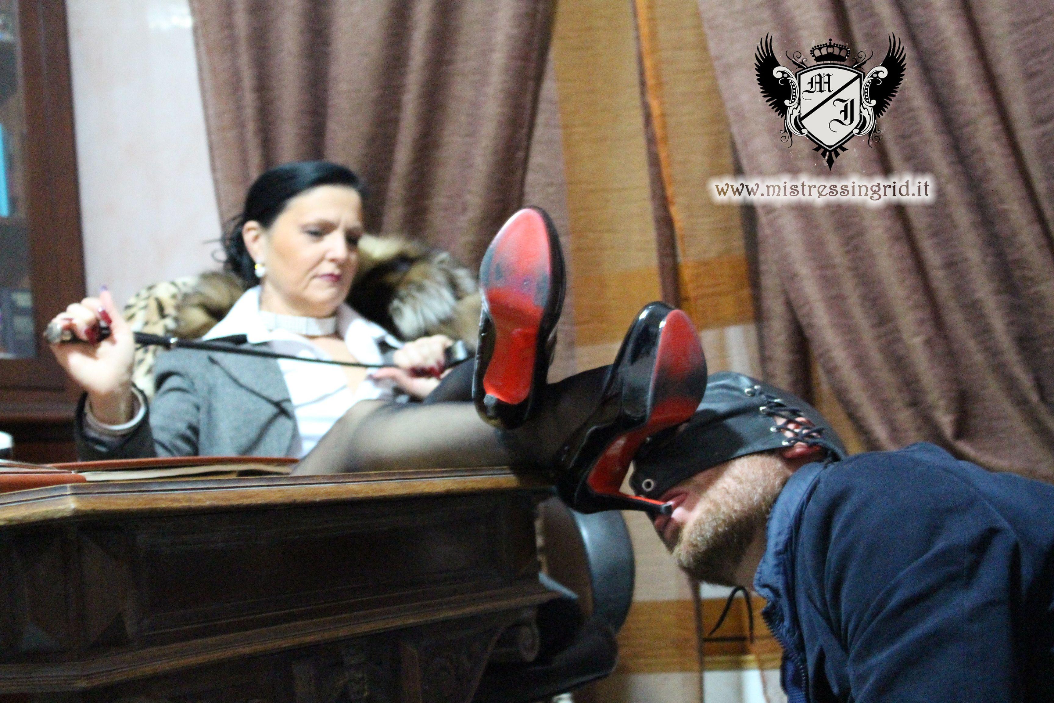 Jail B. reccomend Foot fetish with ebony dominatrix