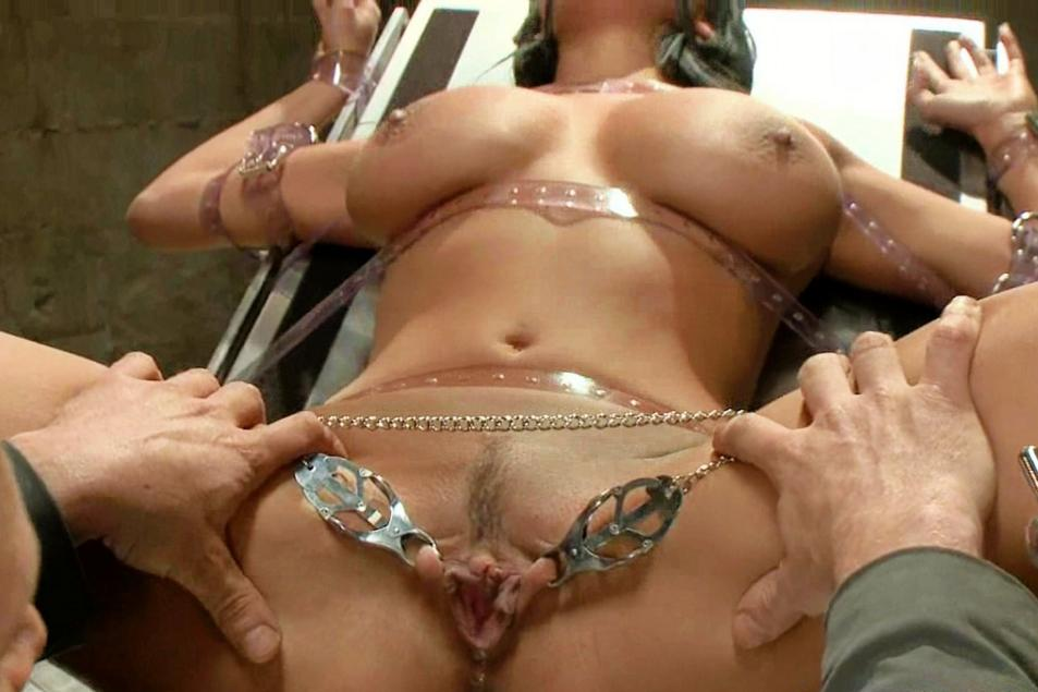 Pop R. recommend best of Lick cum from her toes slaveboy