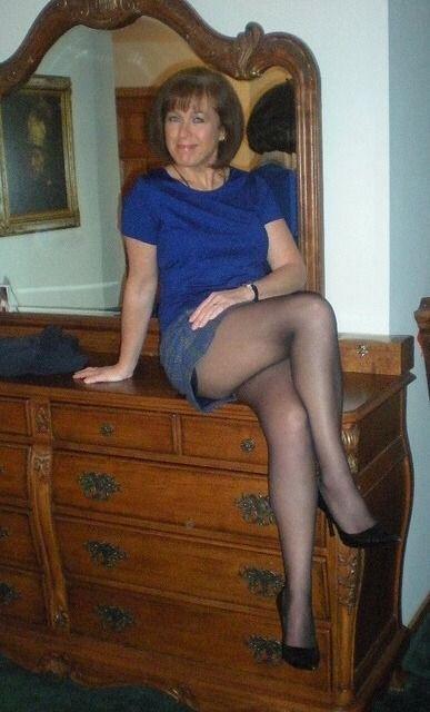 Boomerang reccomend Mature posing wife