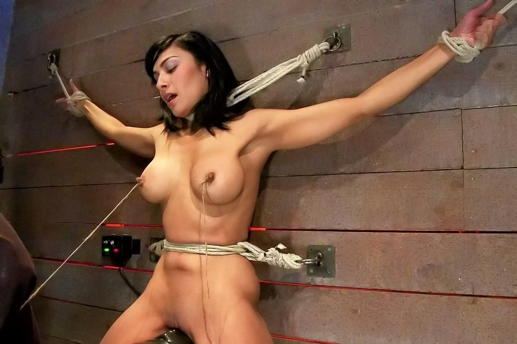 Mature women in porn and bondage