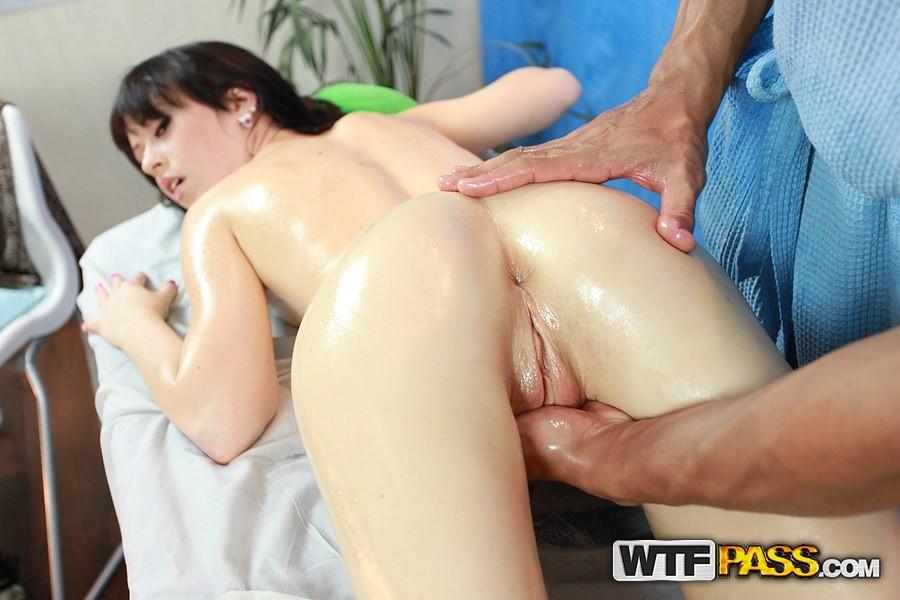 Sexy girls massage